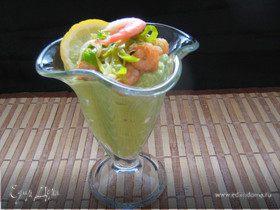 Авокадно-огуречный мусс с креветками
