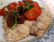 Куриные грудки с томатным соусом