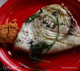 Рыба-меч на гриле с ореховым соусом