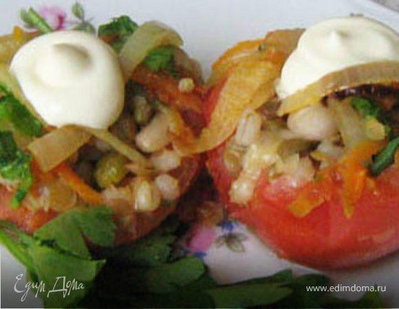 Фаршированные половинки томата