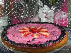 Пирог с летним ягодным кремом