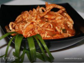 Щупальца кальмара в томатном соусе