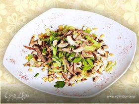 Салат с Дор Блю, шампиньонами и грейпфрутом