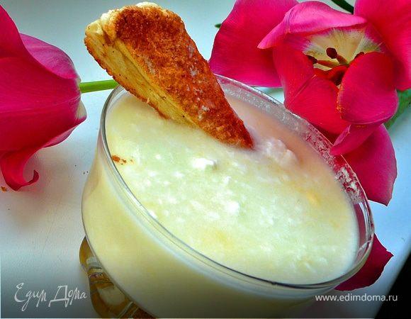Десерт с йогуртом,ревенем и слоеным коричным печеньем