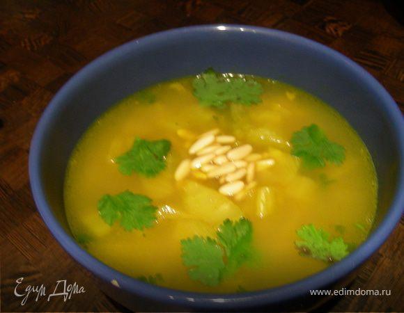 Суп из фенхеля с кедровыми орешками и анисовым алкоголем