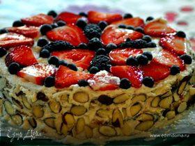 Бисквитный торт со сливками