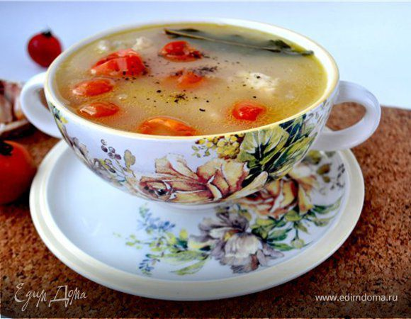 """Суп с курицей,белой фасолью и помидорами""""черри"""""""
