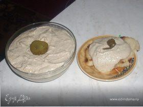 Паштет из скумбрии с творогом и солеными огурцами