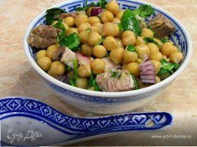 Салат из турецкого горошка с говядиной