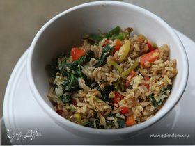 Рис, зажаренный с овощами и яйцом