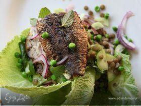 Салат с чечевицей и сардинками