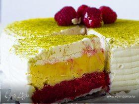 Меренговый торт с малиновым и ванильным мороженым