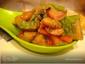 Салат с фасолью и печеным чесноком