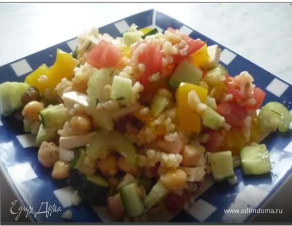 Салат с булгуром и горохом нут
