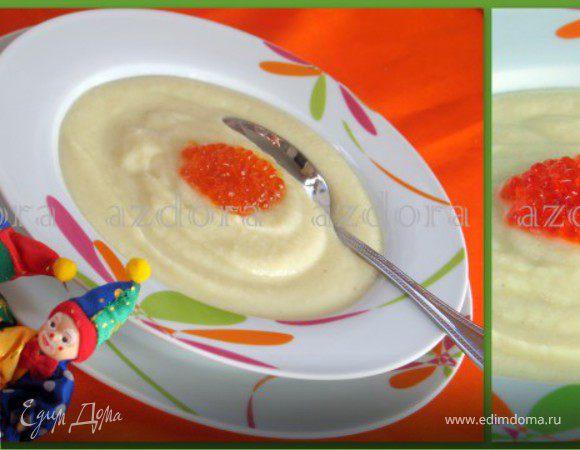 Суп-пюре из цветной капусты с красной икрой