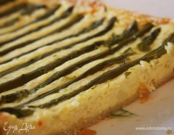 Хрустящий пирог со спаржей и картофелем по рецепту Джейми Оливера