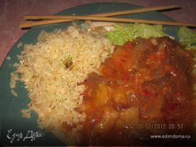 Свинина в кисло-сладком соусе с жареным рисом на гарнир - Ужин родом из Китая