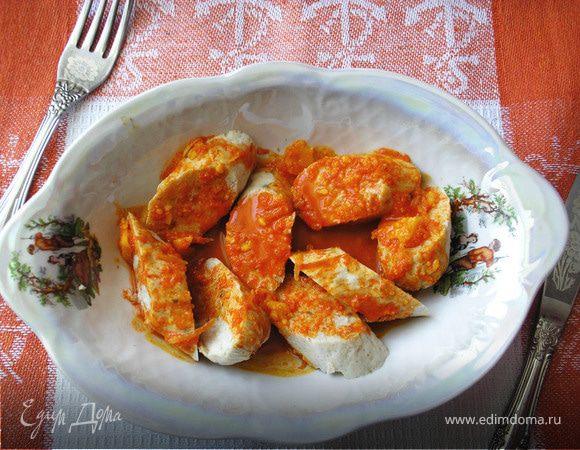 Домашняя куриная колбаска под морковным соусом