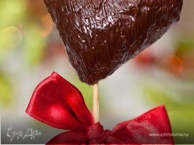 Шоколадное сердце с яблочным припеком