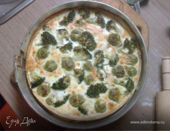 Пирог с брокколи и брюссельской капустой