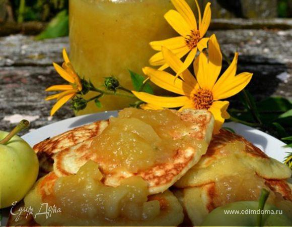 Оладушки с яблочным вареньем