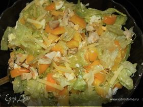Салат с курицей, сладким перцем и сыром Филадельфия