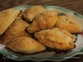 Пирожки с картофелем, фетой и розмарином