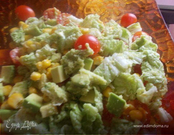 салат с авокадо и кукурузой