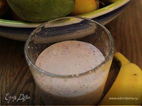 Смузи с йогуртом и бананом