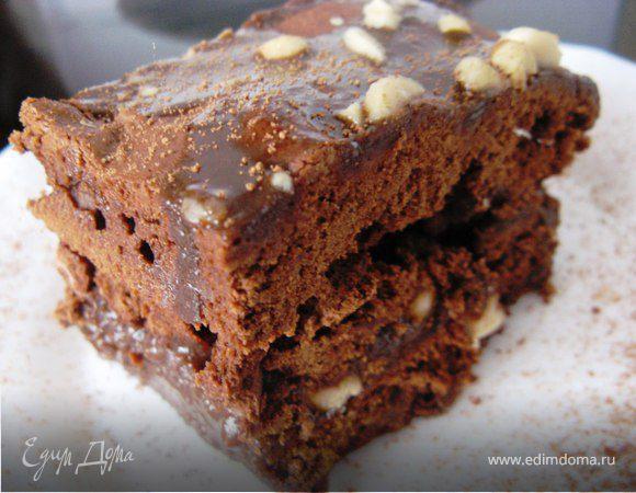 Брауни с соленым арахисом и шоколадной карамелью