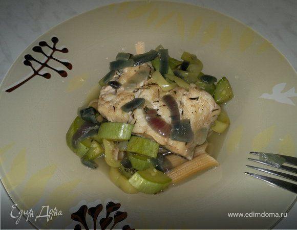 Паста с рыбой на подушке из овощей и специй