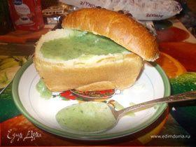 Суп-пюре из шпината в хлебушке