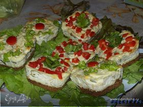 Закусочные миничизкейки с травами и пармезаном