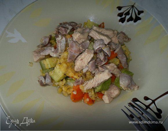Чечевица с овощами и чесноком, желудки и грудка индейки