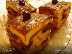 Бисквитный торт с вишней и пудингом