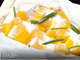 Шашлыки из ананаса с соусом крем-фреш