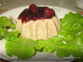 Печеночный пудинг с вишневым соусом