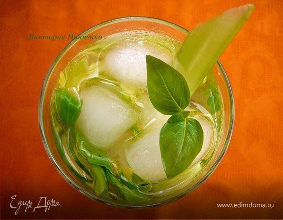 Огуречный лимонад с сельдереем и базиликом