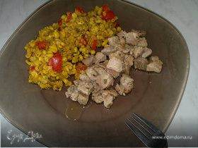 Чечевица с кукурузой и сладким перцем, свинина с паприкой и травами