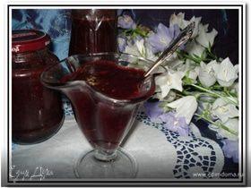 Вишневое варенье с миндалем и шоколадом
