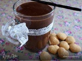 Горячий шоколад со вкусом ванили и кофе