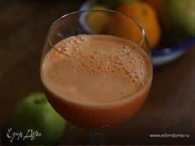 Яблочно-морковный сок со шпинатом