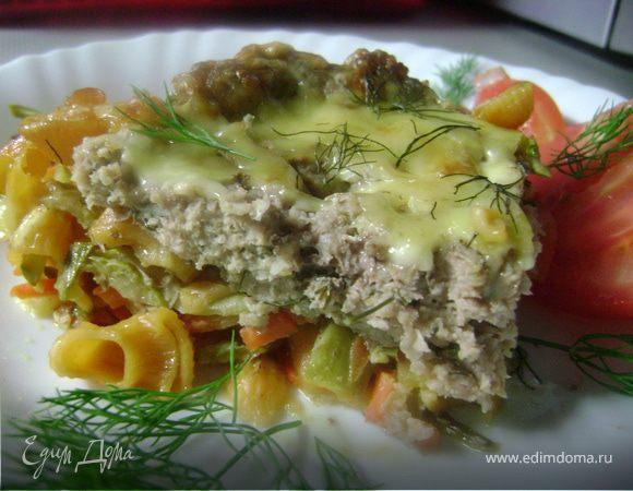 Острое мясо в пироге из макаронных изделий