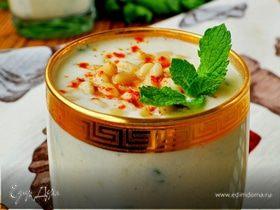 Холодный суп-пюре из кольраби с яблоками и кедровыми орешками