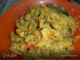 Рис с мидиями и рапанами