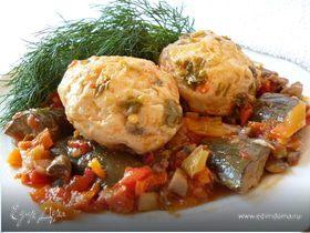 Рыбно-грибные тефтельки, запеченные с овощами