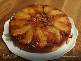 Пирог-перевертыш с грушами и орехами