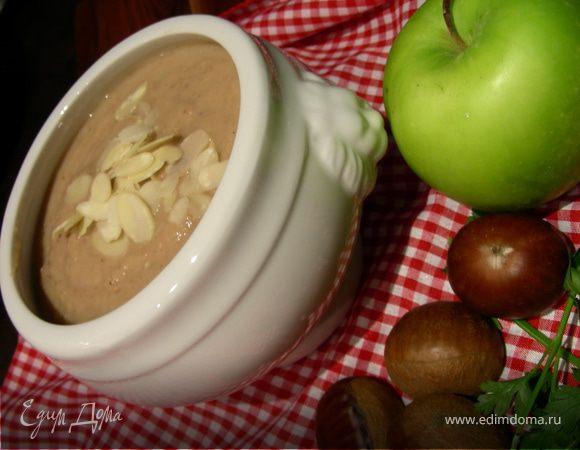 Крем-суп из каштанов с карри, яблоком и белым вином