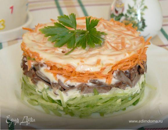 Салат с зеленой редькой и куриными сердцами