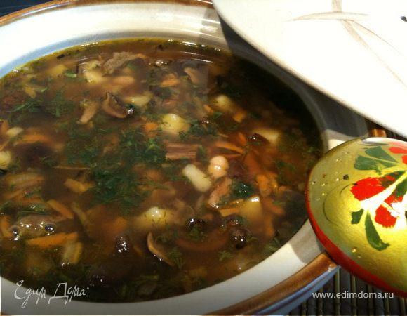 Сытная постная похлебка с грибами и фасолью